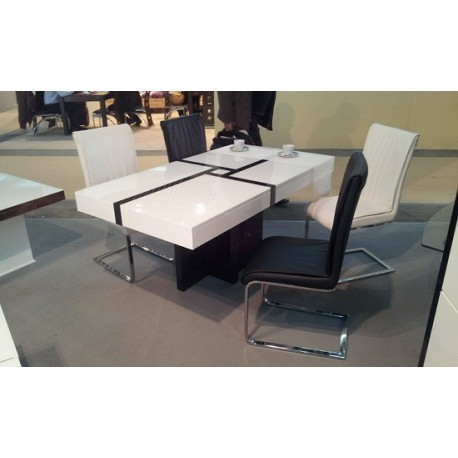 Space - lacquer dining table
