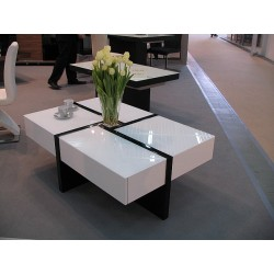 Space I lacquered coffee table