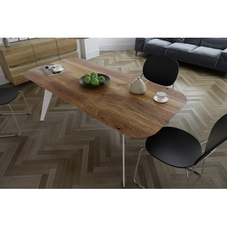 Trebord I bespoke solid wood dining table in various sizes and wood finishes