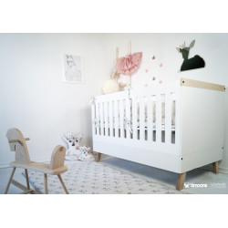 Magi cot bed converts to junior bed