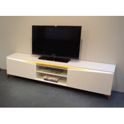 ALADIN TV stand in High Gloss and Oak Veneer application