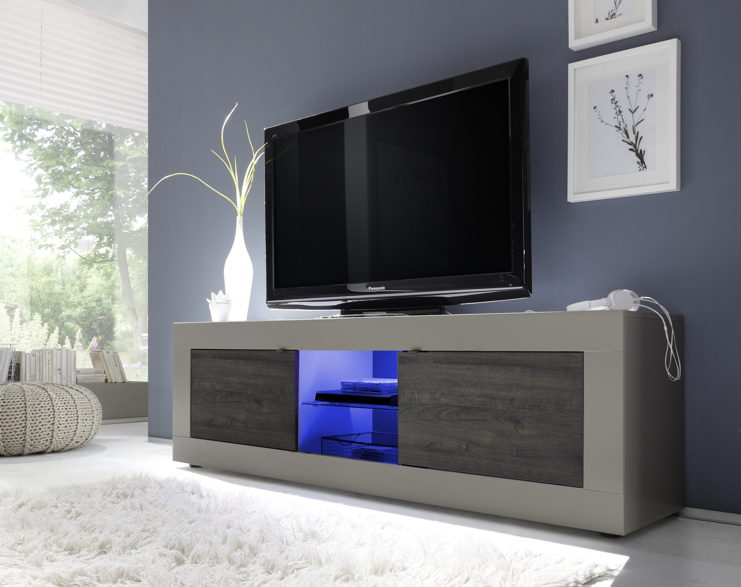 Dolcevita ii modern tv stand in matt finish tv stands for Meuble laque beige