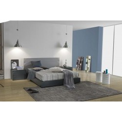 Metri - high gloss lacquered bed with small headboard
