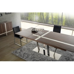 Oxa veneered extendable dinning table