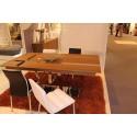 Oxa veneered extendable dinning table