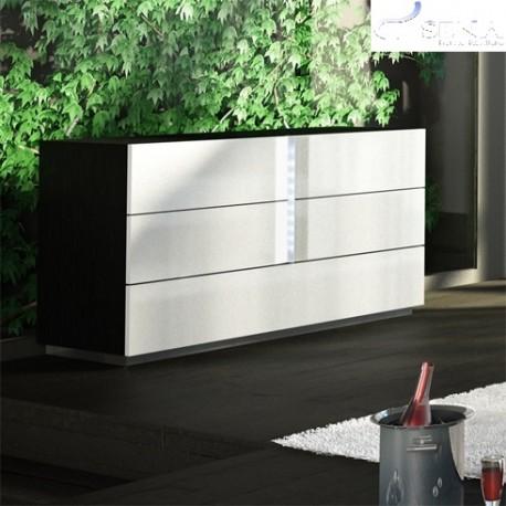 Ika -luxury chest of drawer